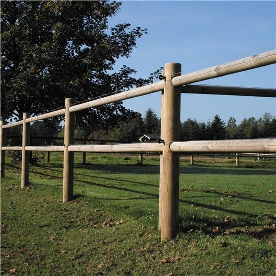 houten omheining paarden